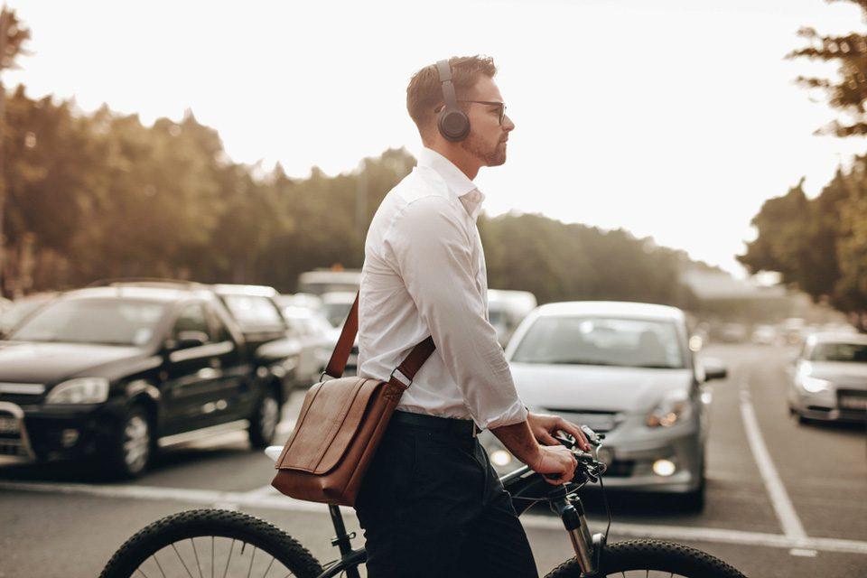 Intelligens fejhallgató a közlekedés biztonságáért