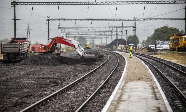 20 vasúti fejlesztés előkészítéséhez biztosít több mint 32 milliárd forintot a kormány