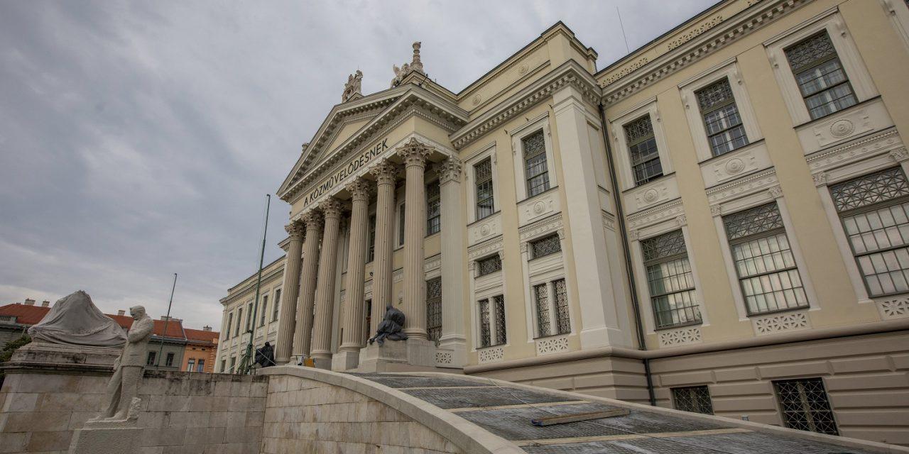 Felújították a Móra Ferenc Múzeumot és a szegedi vár épületét