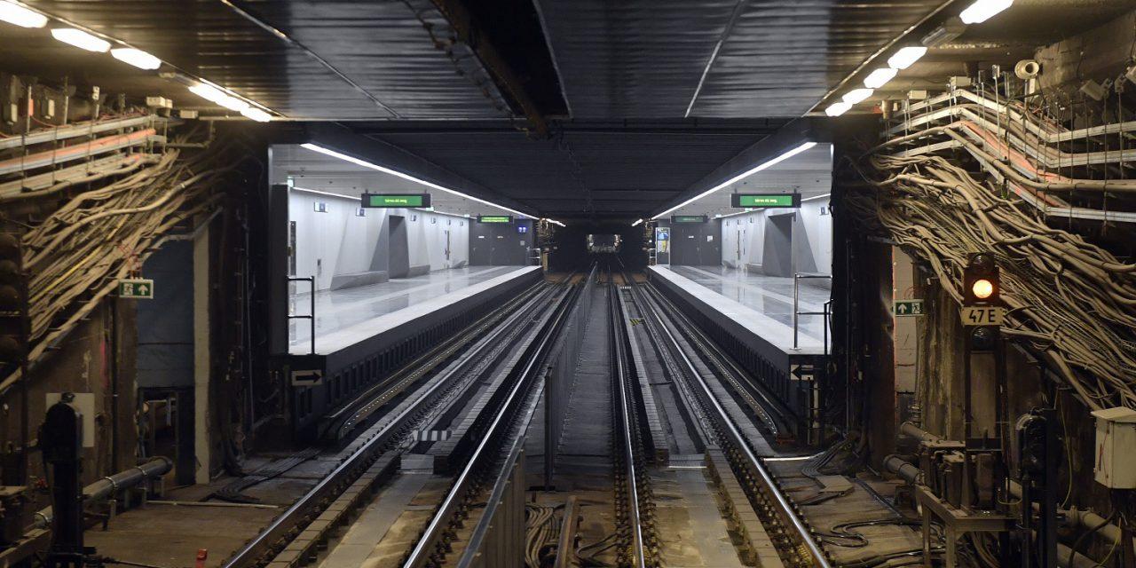 Félezer műtárgy került a 3-as metróból a Közlekedési Múzeumba