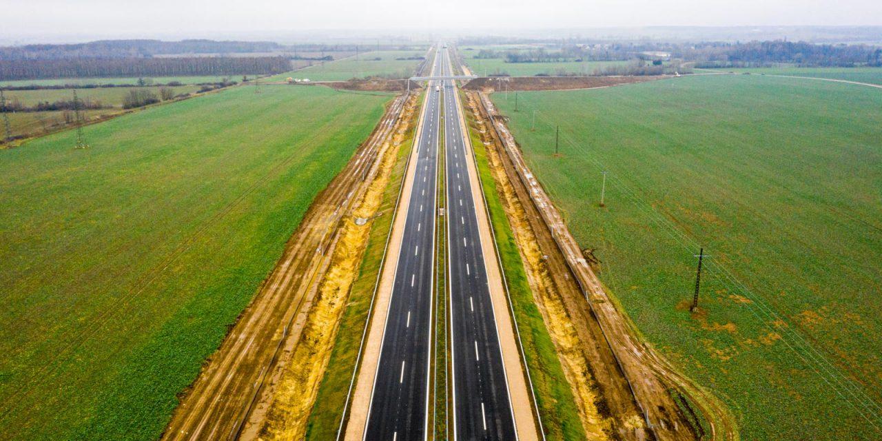 Forgalomba helyezték az M85-ös gyorsforgalmi út legújabb szakaszát