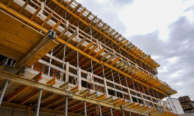 Az építőipar 2021 első negyedévének a végére léphet túl a járvány következményein