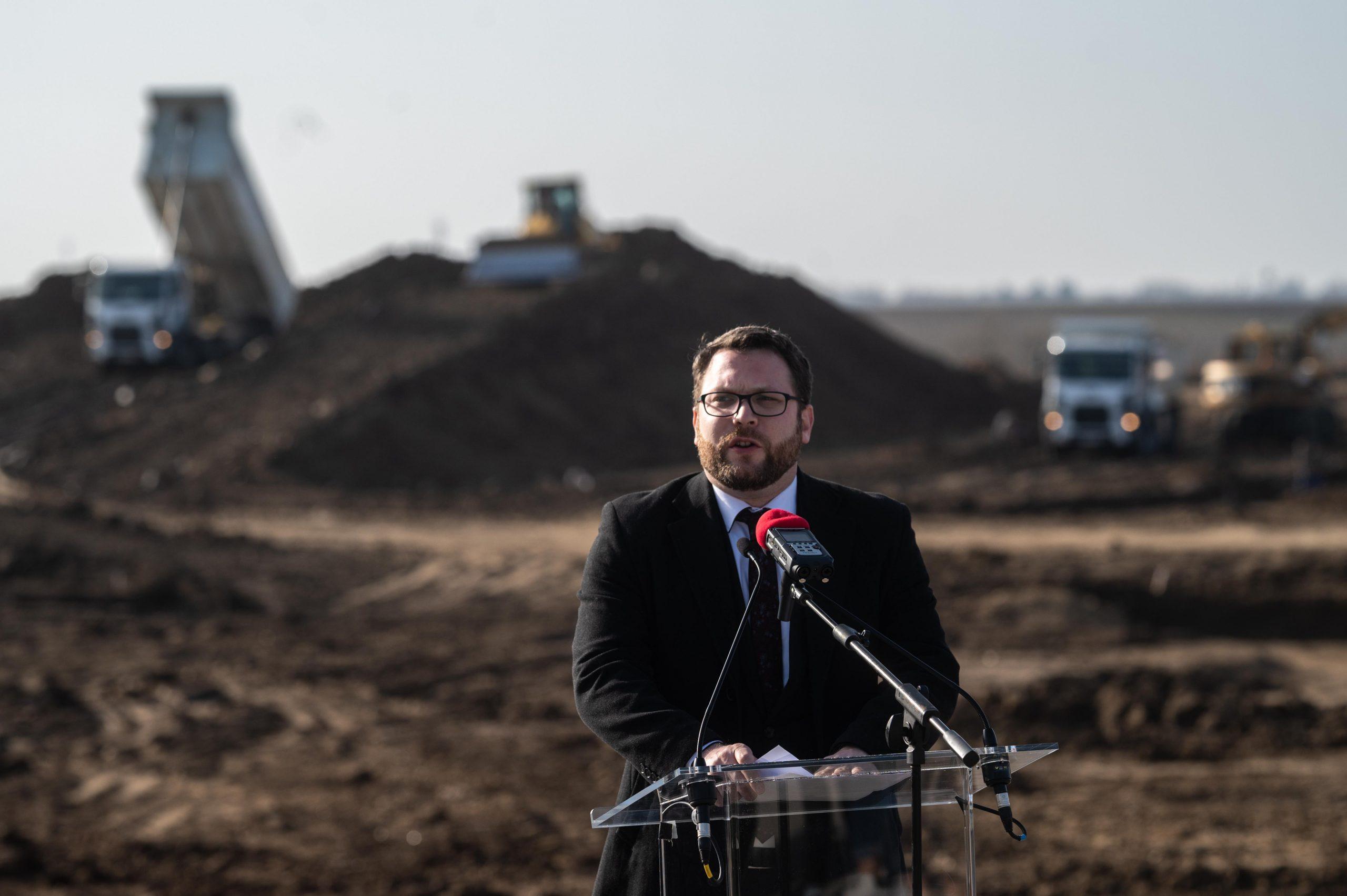 Megkezdődött az M6-os autópálya befejező szakaszának építése