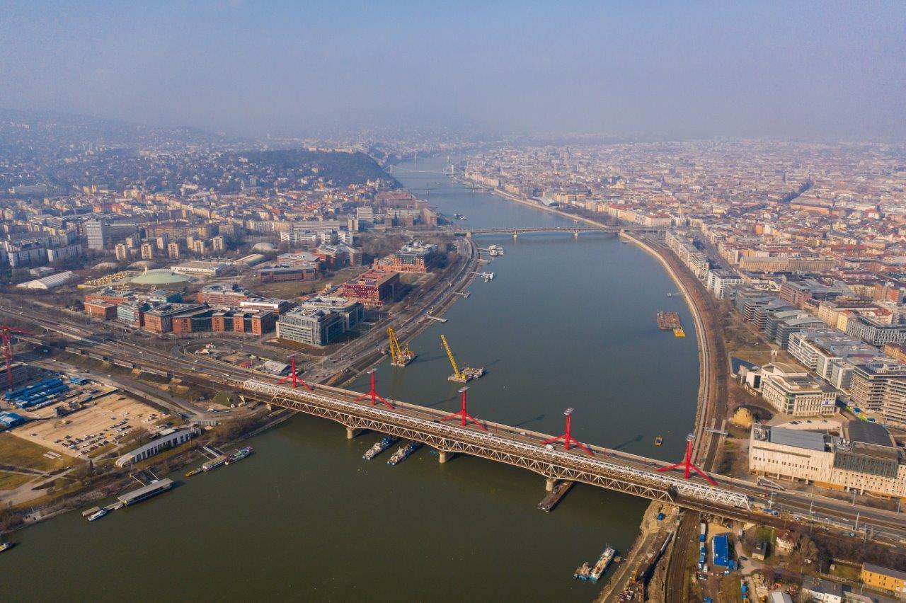 Átjárható az új hídszerkezet – mérföldkő a Déli Körvasút fejlesztésében