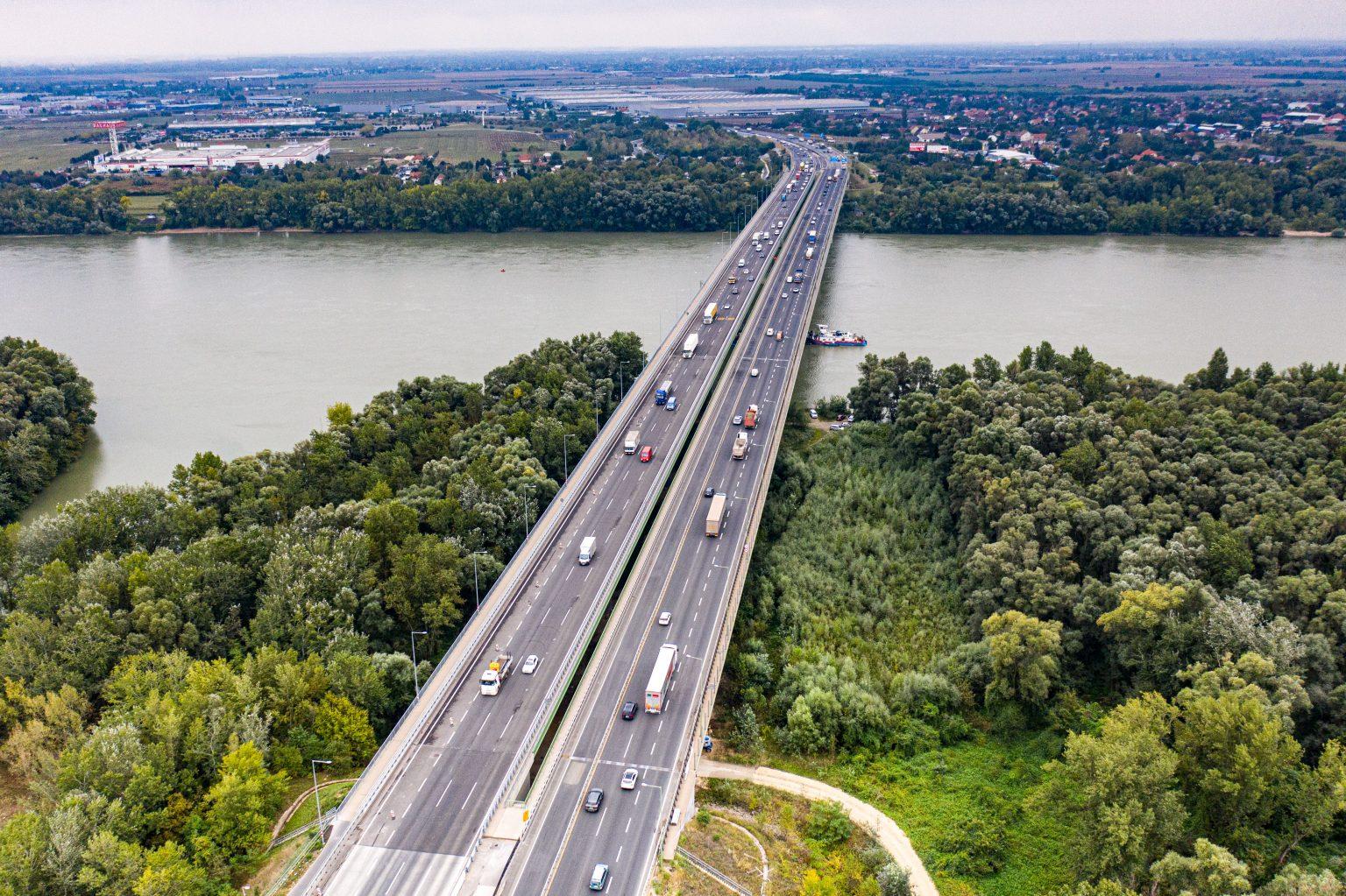 Megváltozik a forgalmi rend a Deák Ferenc Duna-hídon