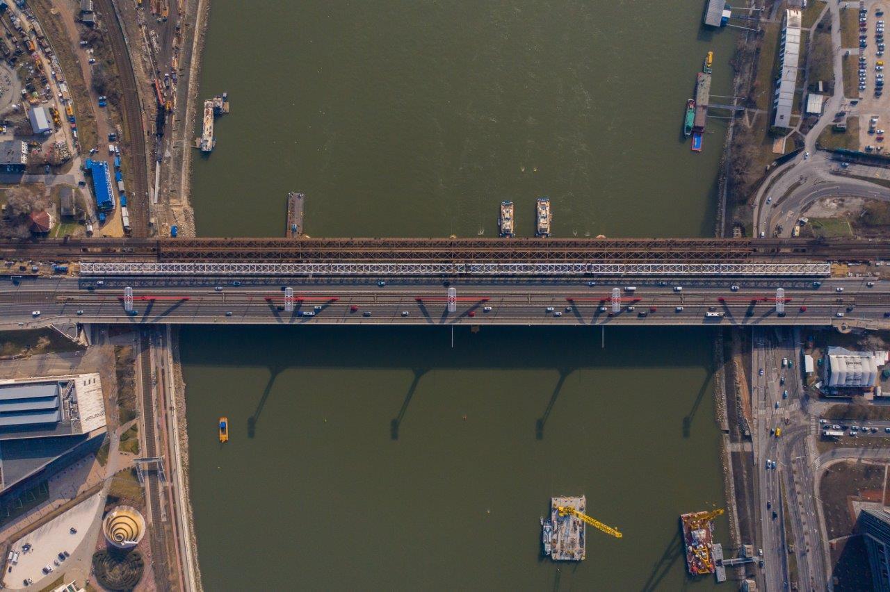 Így készült az új hídszerkezet