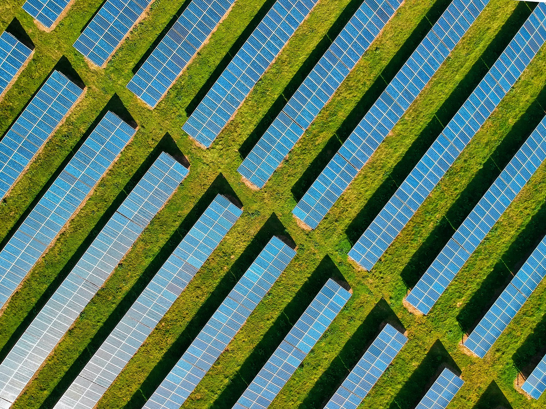 Magyarország korábban elérheti a 2030-ra célként kitűzött naperőművi kapacitást