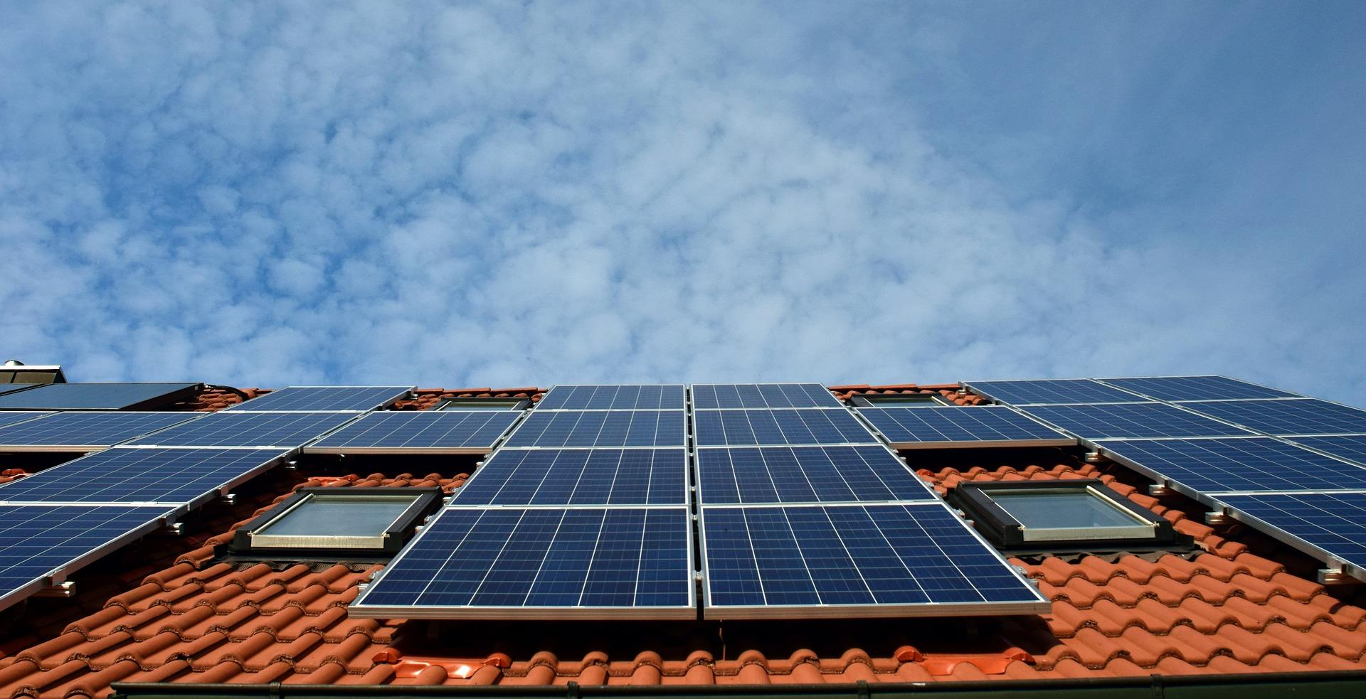 MEKH: A járvány ellenére is rendületlen a háztartási méretű naperőművek terjedése