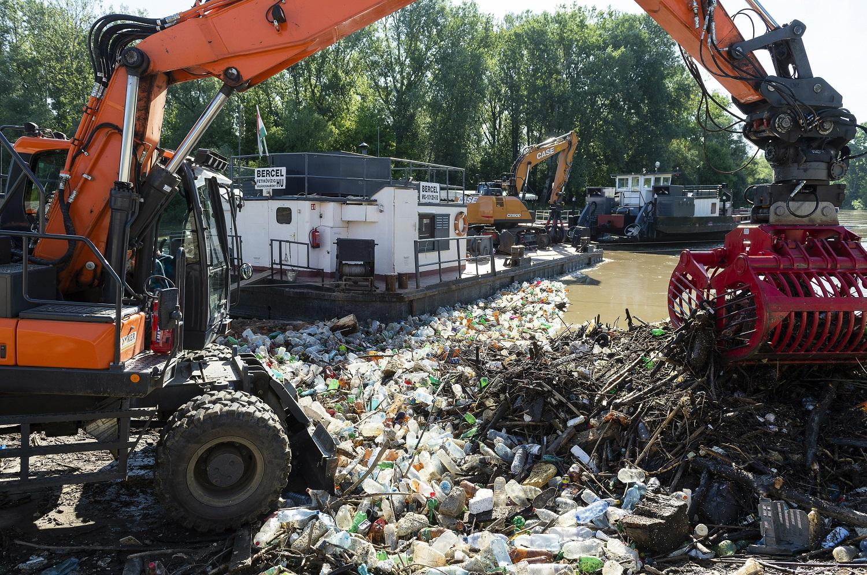 257 köbméter hulladékot szedtek ki a Szamosból