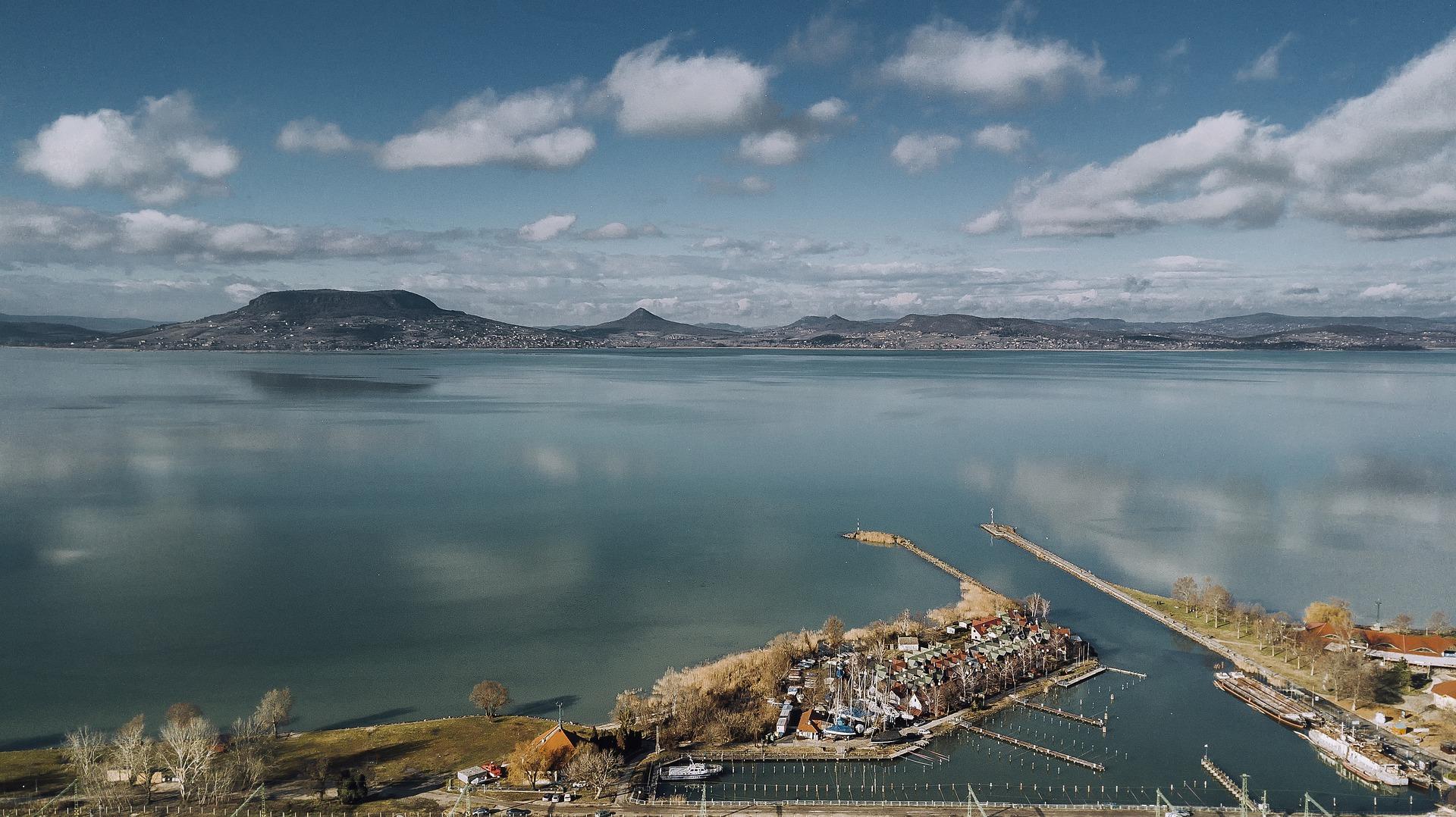 Együttműködési megállapodás a Balaton jövője érdekében kutatók és a vízügy között