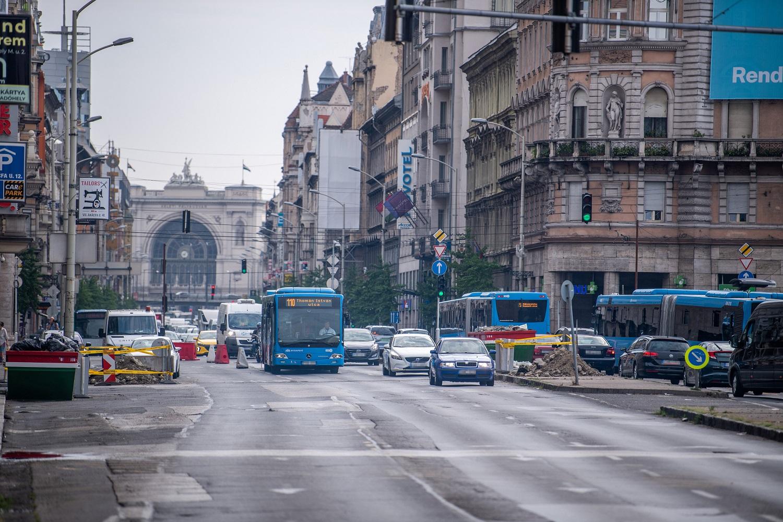 Elkezdődött a Blaha Lujza tér felújítása