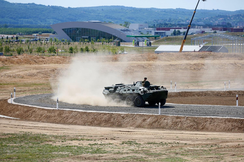 Átadták a harcjármű-tesztpálya első ütemét