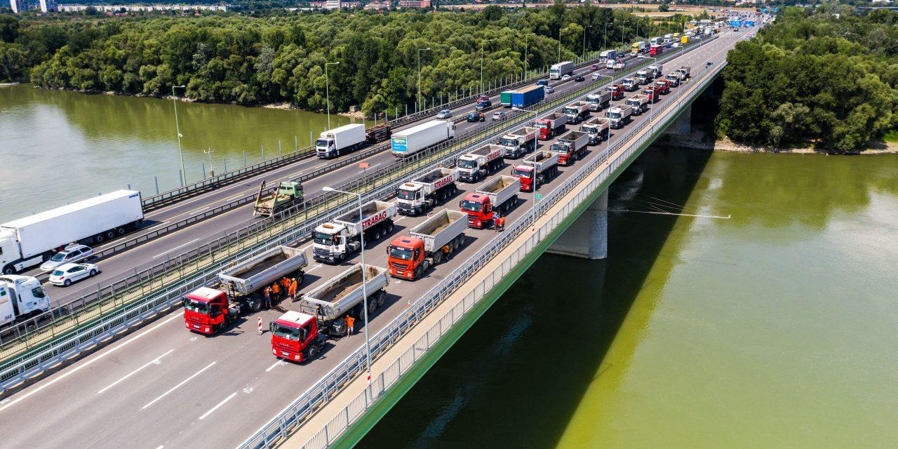 Ismét járható lesz az M0 hídja