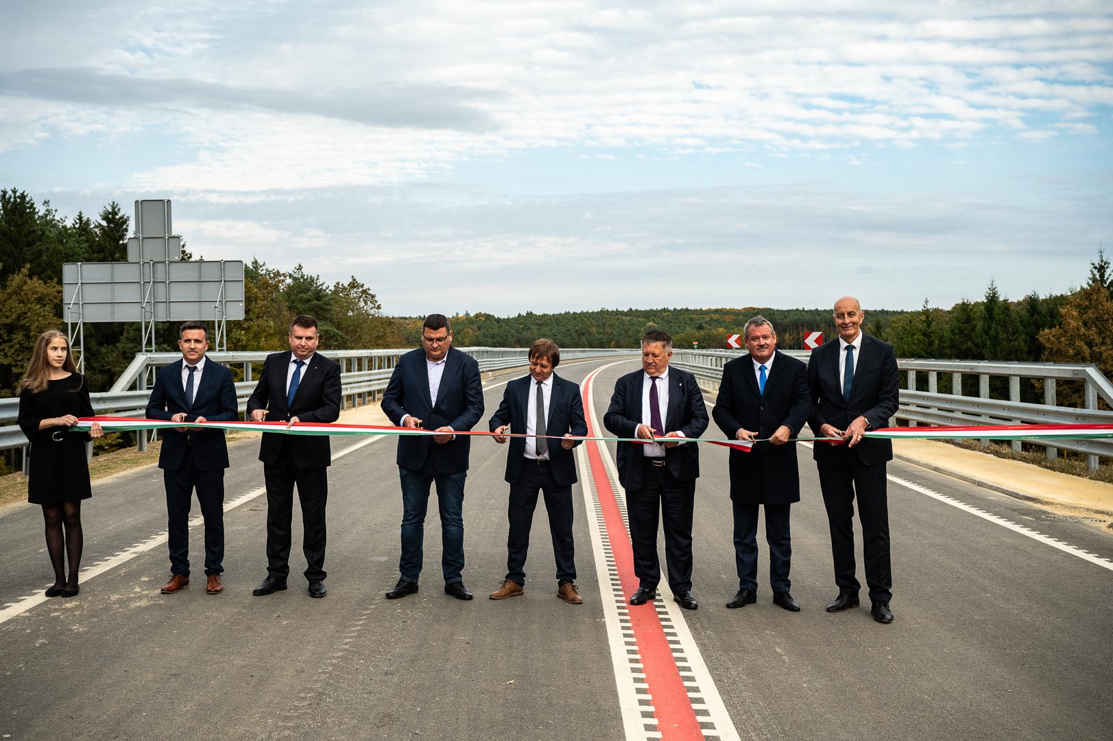 Átadták az M8 autóút Körmend-Rábafüzes közötti szakaszát