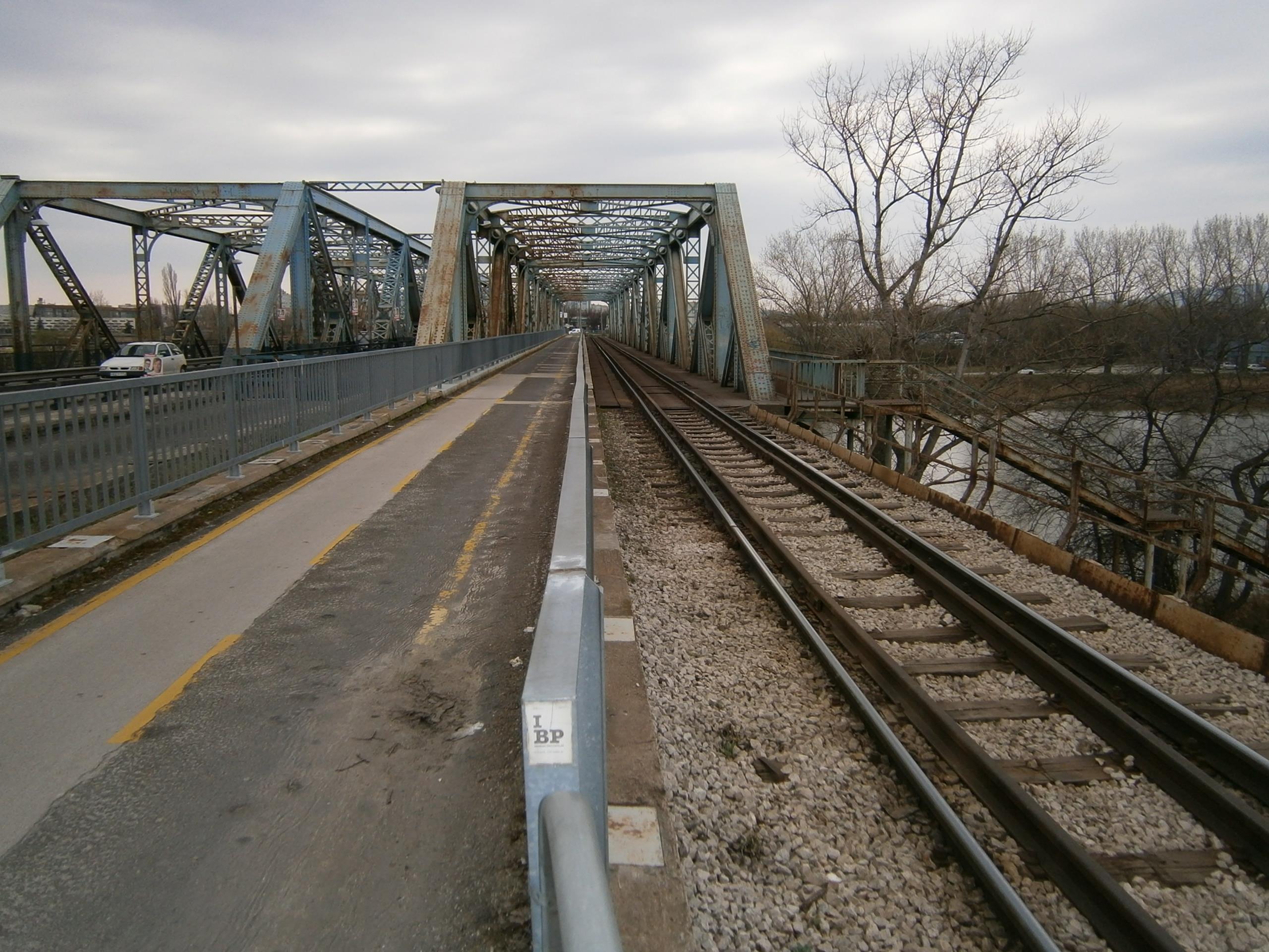 Új vasúti Gubacsi híd épül