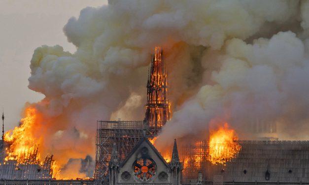 Gyűlnek az eurómilliók a Notre-Dame újjáépítéséhez