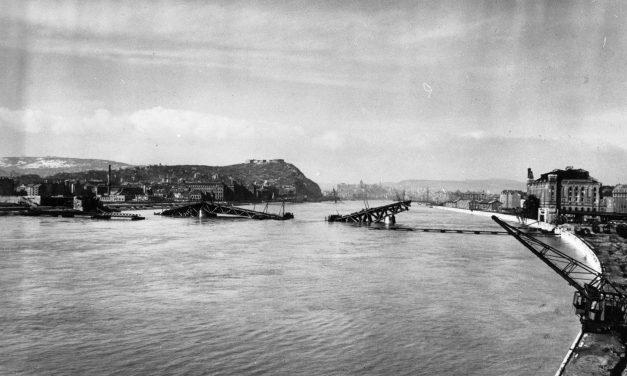 75 éve robbantották fel a főváros Duna-hídjait