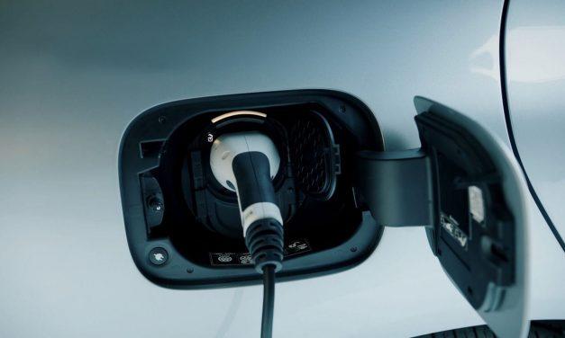 Több mint 40 százalékkal bővült az elektromos autók értékesítése