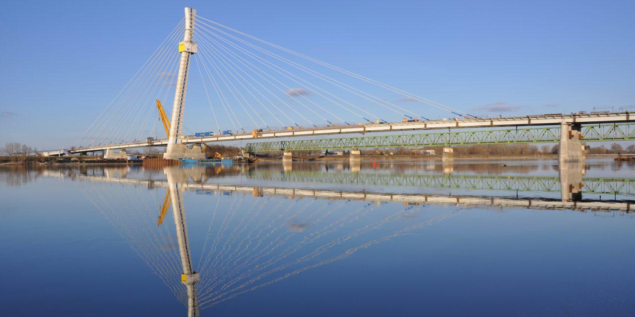 Őszre befejeződhet az új komáromi Duna-híd építése