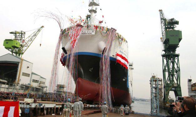 Vízre bocsátották a világ első, folyékony hidrogént szállító tankerét