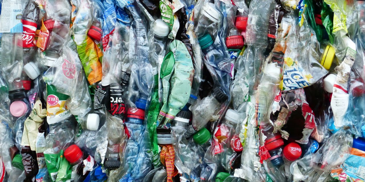 Társadalmi egyeztetésen az egyszer használatos műanyagok kiváltását támogató felhívás