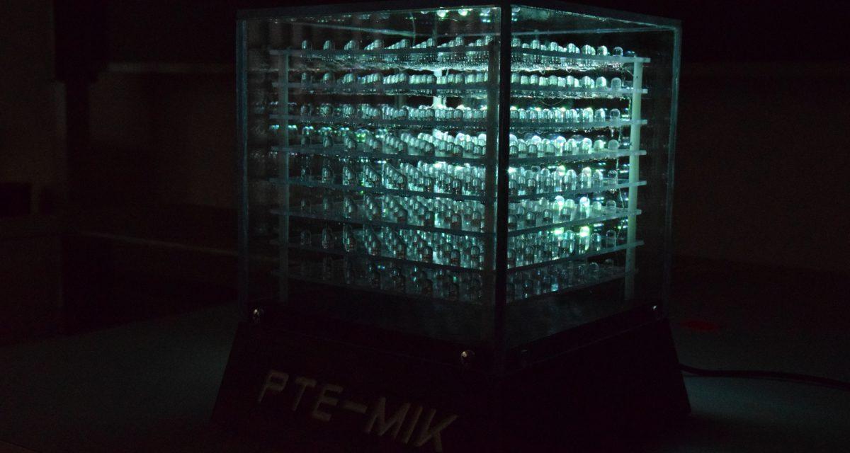 Programozható LED-kocka a pécsi műszaki karon
