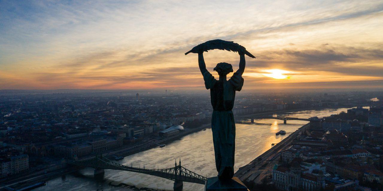Fürjes: a kormány idén is százmilliárdokat biztosít Budapest fejlesztésére és működésére