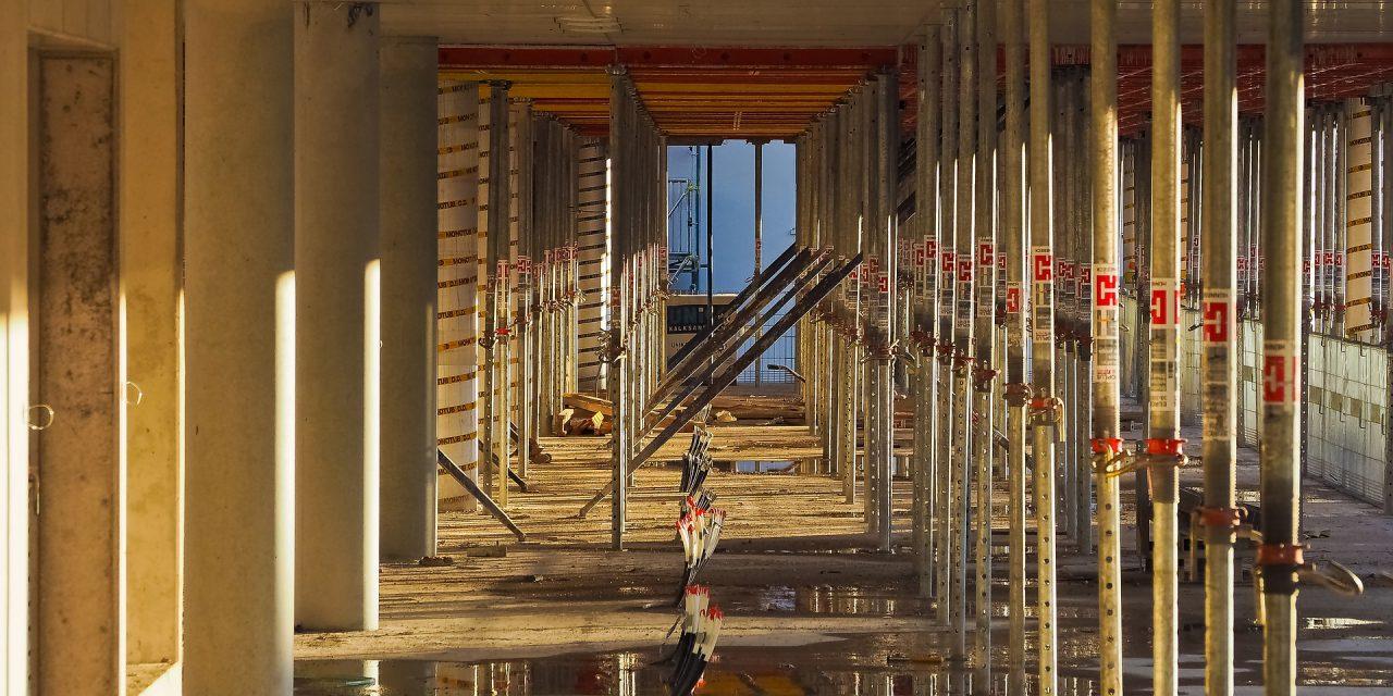 Egy év alatt 5, az előző hónaphoz képest 12,1%-kal nőtt az építőipari termelés volumene