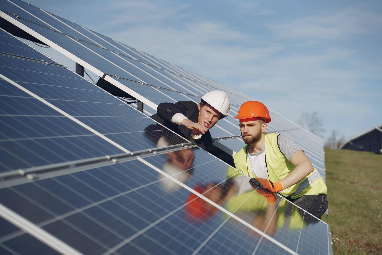 Új pályázat várható nyáron lakossági napelemes rendszerek támogatására
