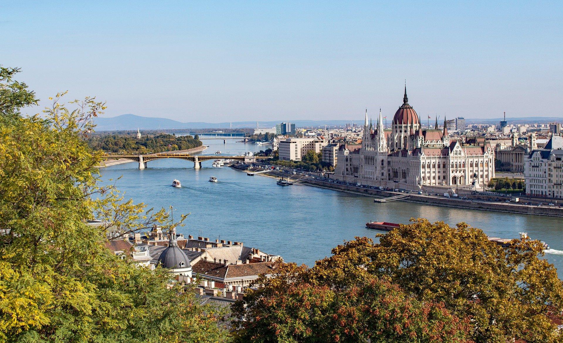 Negyven százalékkal csökkentené szén-dioxid kibocsátását 2030-ra Budapest
