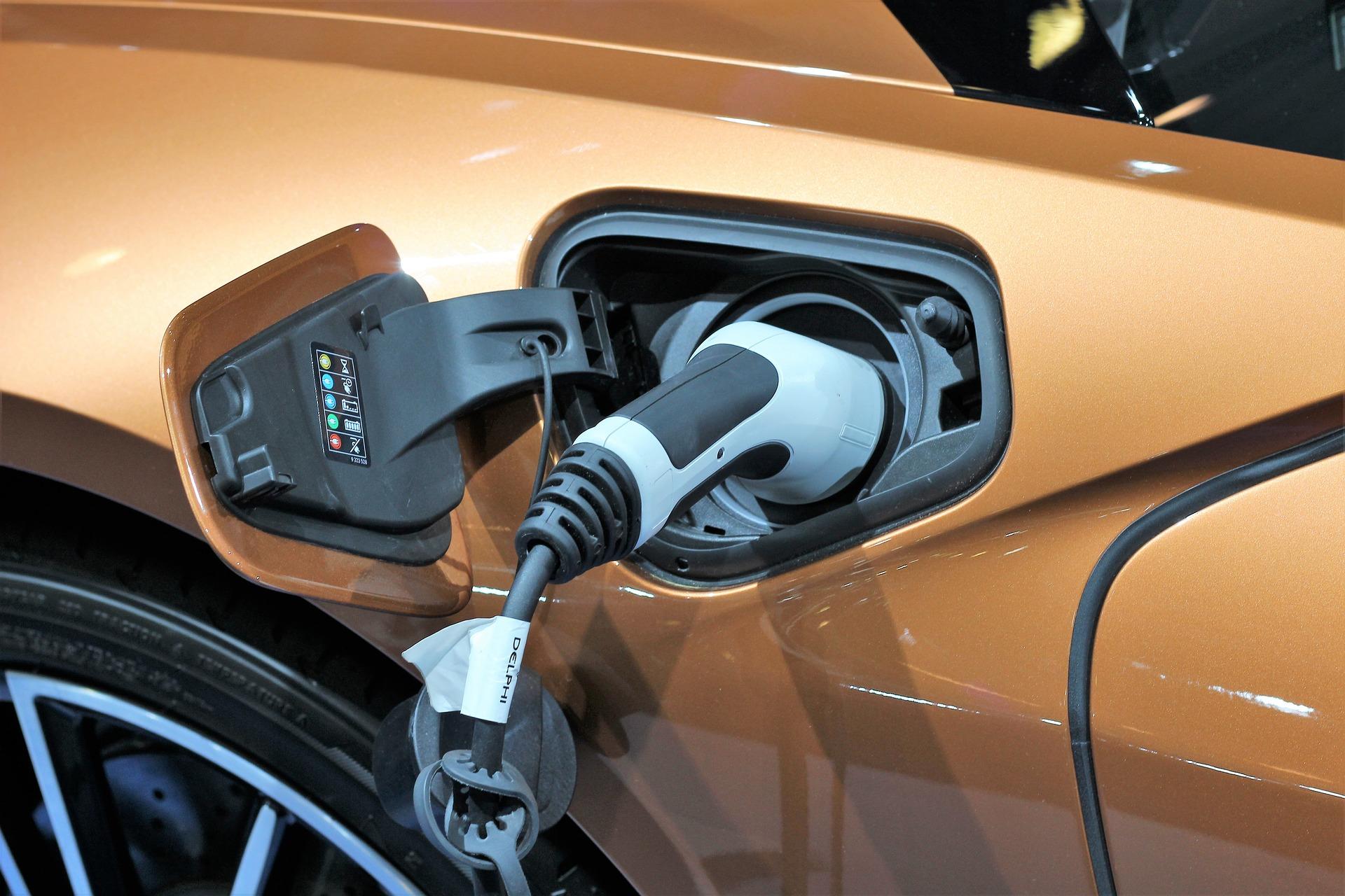 Jobb, ha elektromos autókra váltunk?