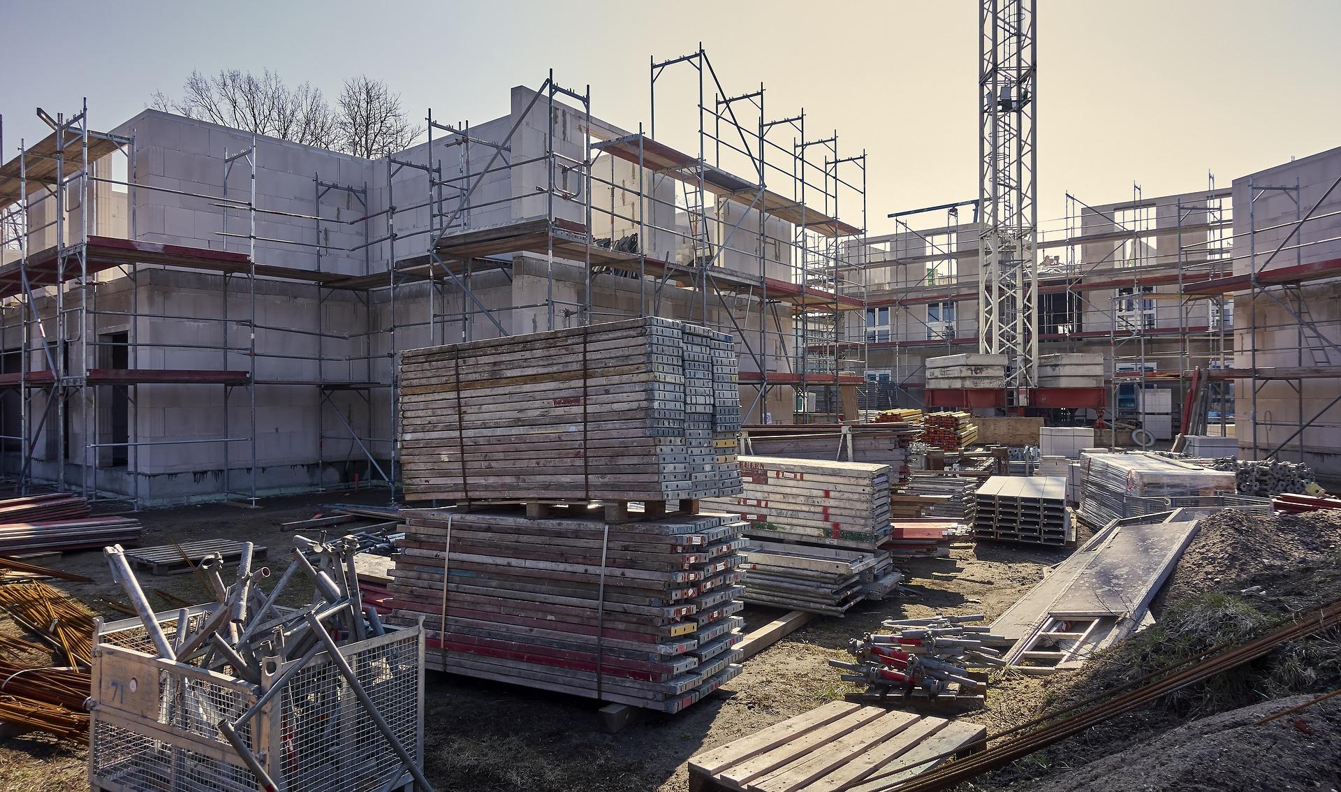 Nőtt az építőipari termelés az EU-ban és az euróövezetben márciusban havi és éves szinten