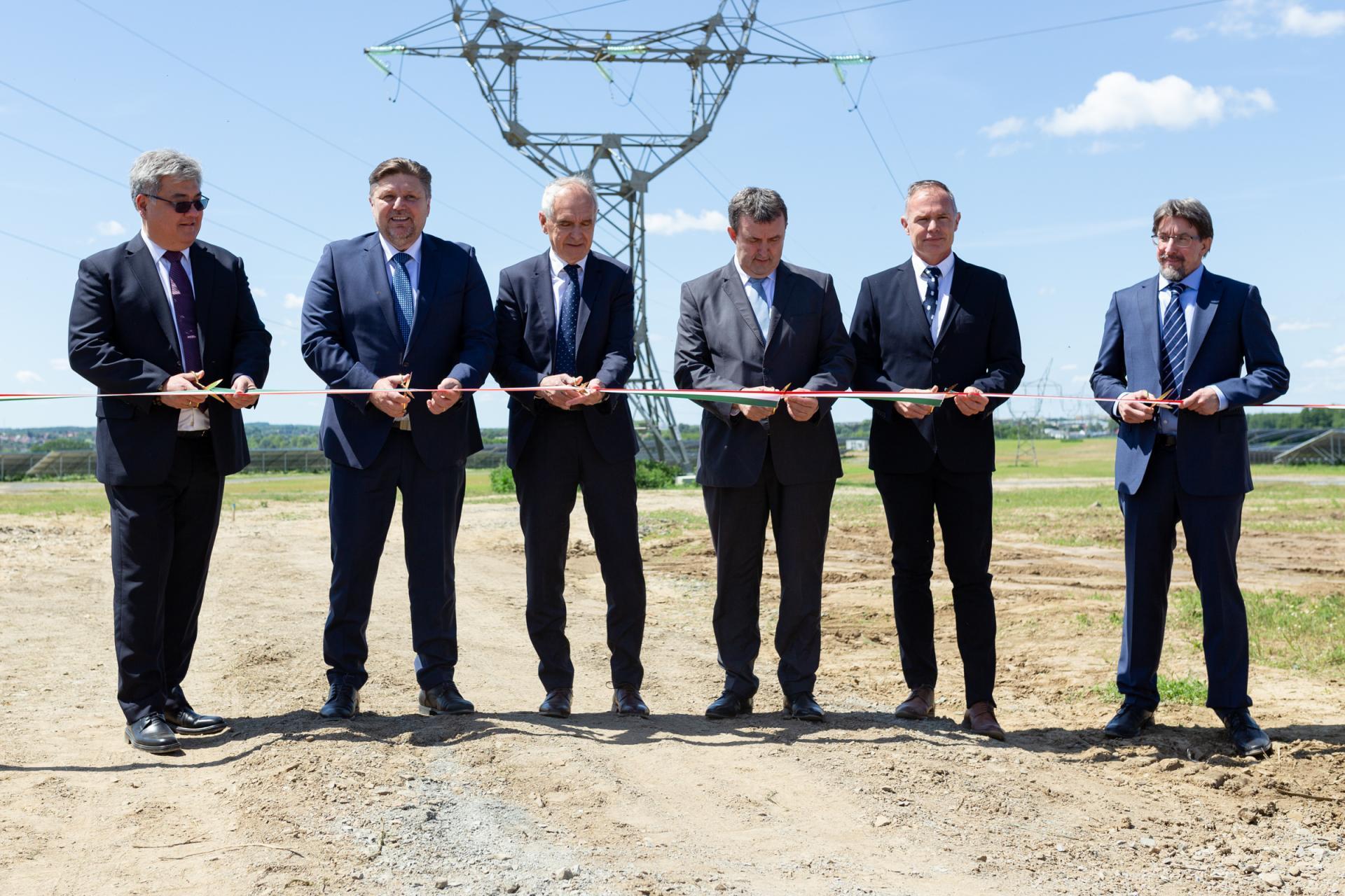 Átadták Közép-Európa legnagyobb naperőművét Kaposváron