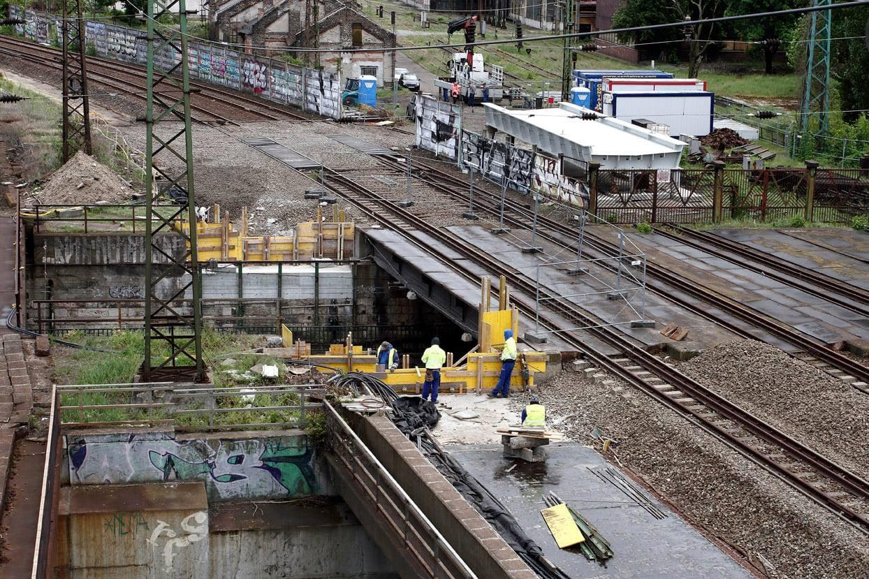 Megkezdődött a kivitelezés a 80a-120a vasútvonalakon