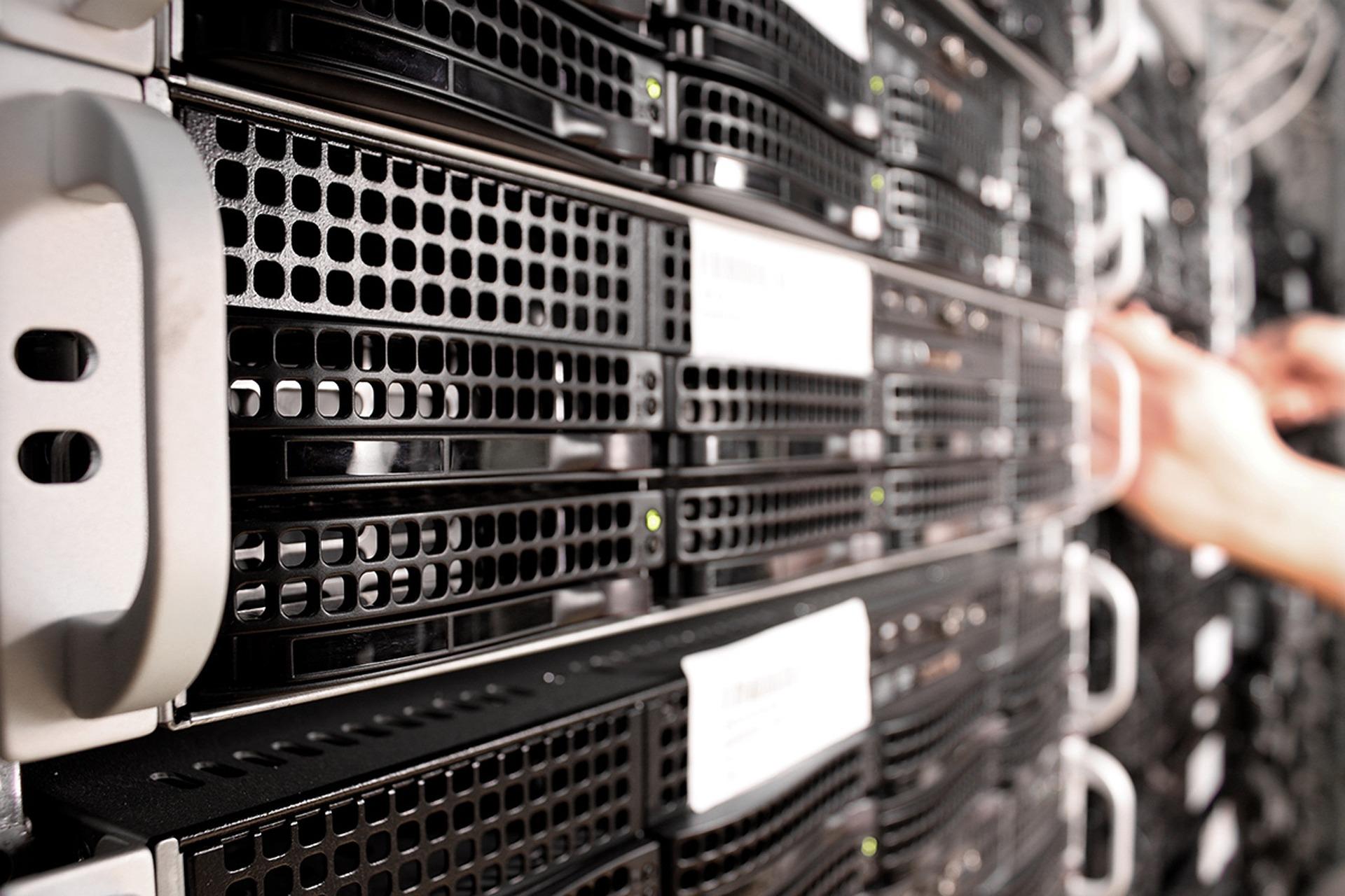 Idén rekordösszeget költenek a cégek IT kiadásokra