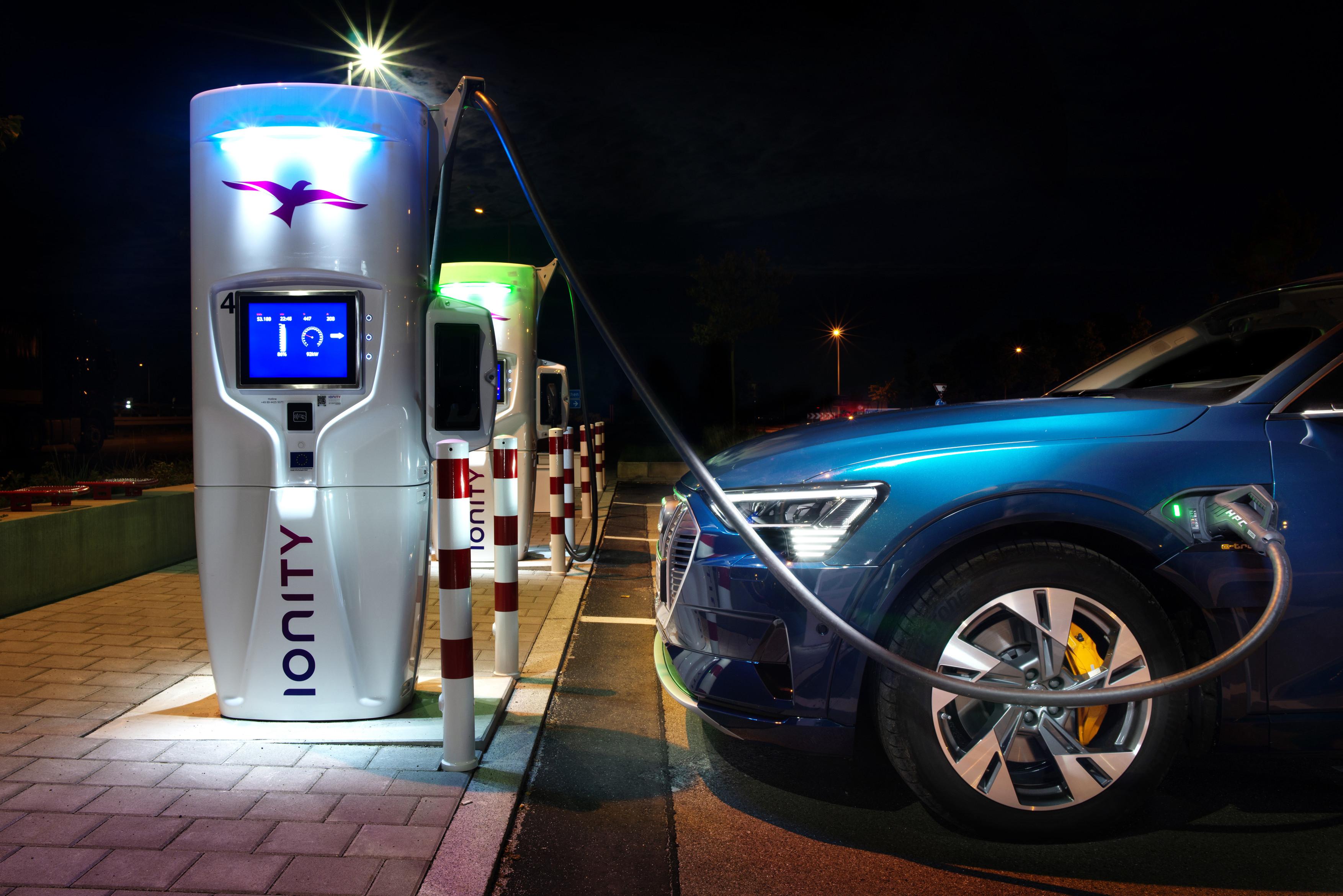 Tovább nőhet az elektromos autók ára