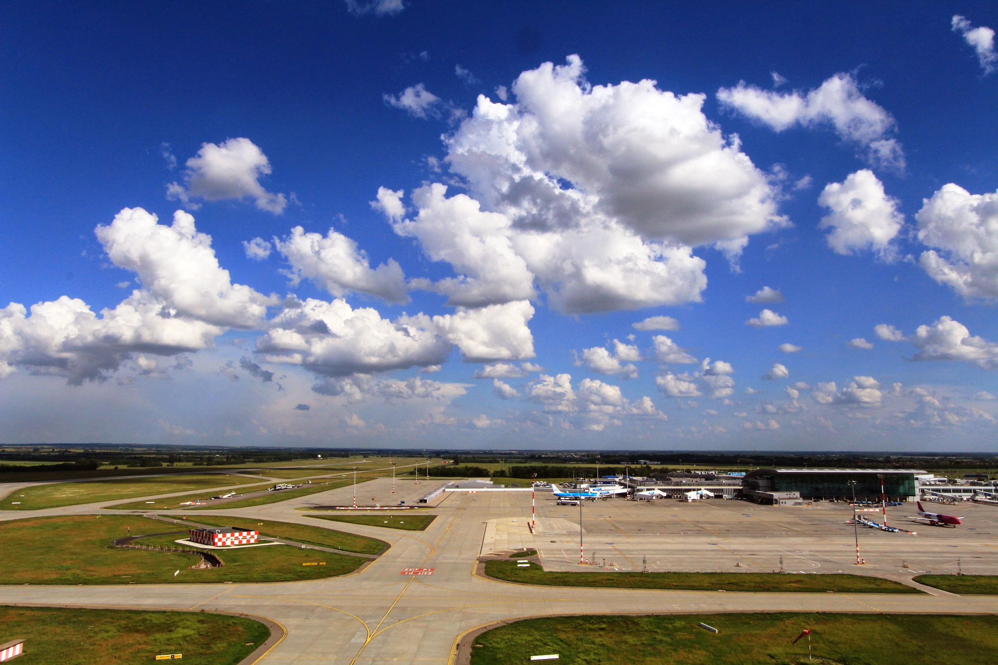 A repülőtéri fejlesztések értéke 70 milliárd forint környékén jár