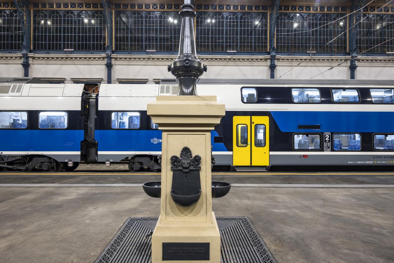 Átadták a Nyugati pályaudvar megújult csarnokát