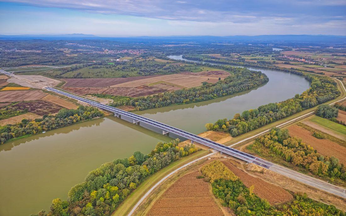Átadták a forgalomnak a boszniai-horvát határszakaszon épült hidat