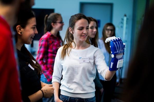 Október 21-én rendezik meg a Lányok Napját a pályaválasztás előtt álló fiataloknak