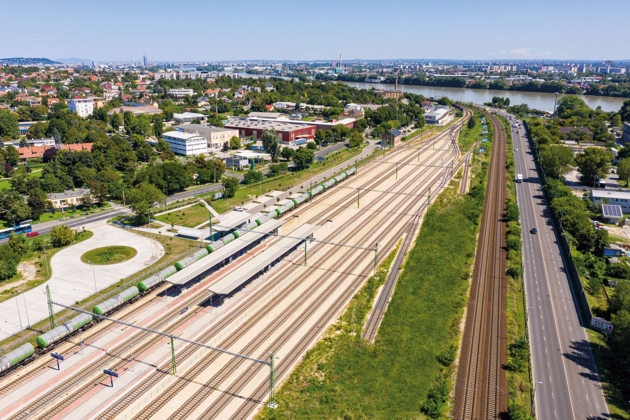 Átadták a Kelenföld és Százhalombatta között megújított vasúti pályát